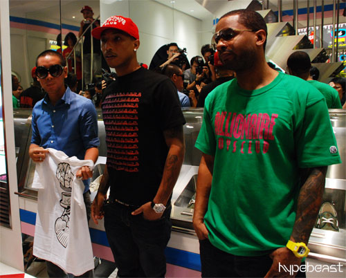 pharrell williams and shay haley autograph signing bbc ice cream hong kong