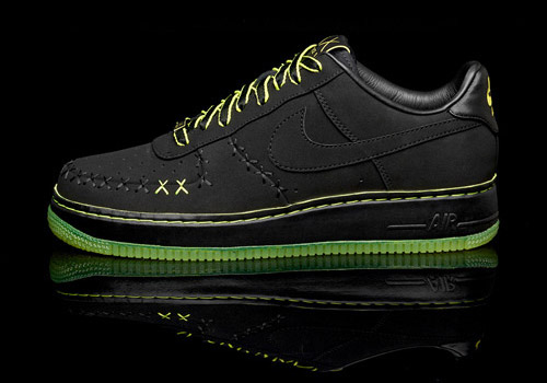 nike 1world air force 1 kaws