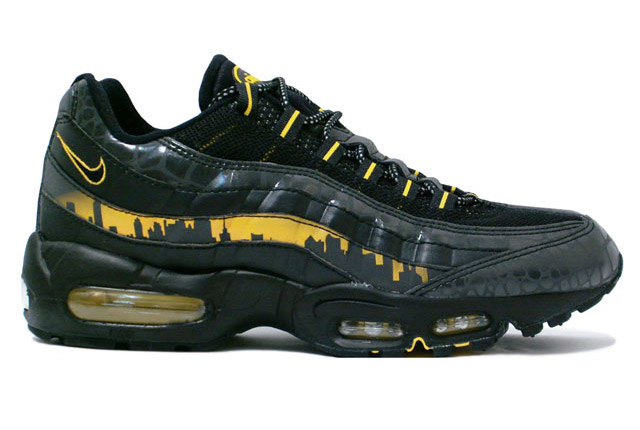new style 6a38e 157bc For Nike s latest campaign, a series of Air Max 95 have been created  exclusive to selected US cities. Paying tribute to the Big Apple, this  black yellow ...