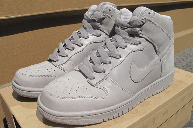 grey dunks
