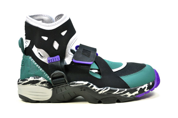 Nike Carnivore Shoes