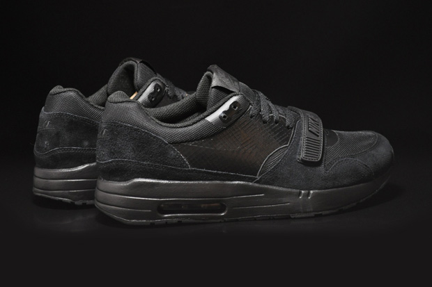 air max with strap
