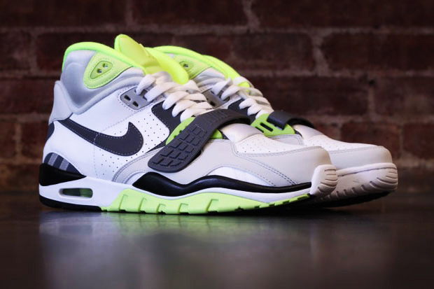 nike air trainer sc ii high whitegreyvolt