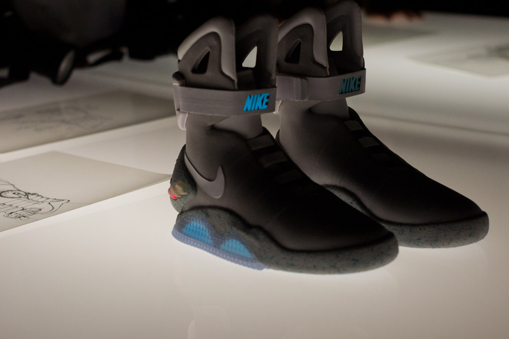 mart mcfly nike air mags 2015 released today r3vlimited forums. Black Bedroom Furniture Sets. Home Design Ideas