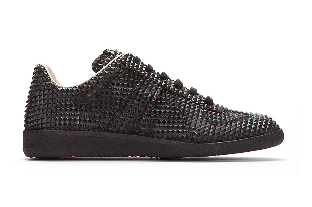 Maison martin margiela black studded low top replica for Replica maison martin margiela