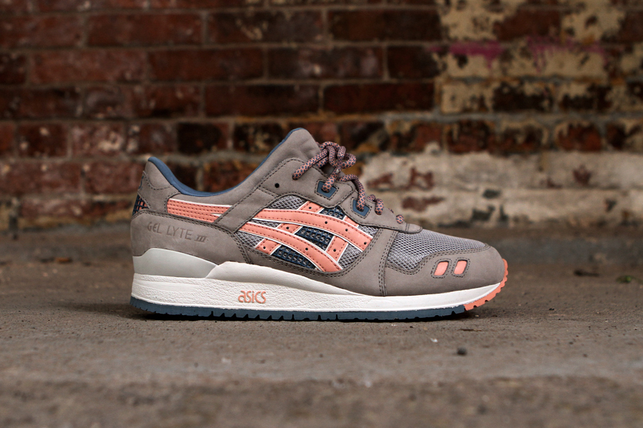 ronnie fieg x asics gel lyte iii flamingo a closer look hypebeast. Black Bedroom Furniture Sets. Home Design Ideas