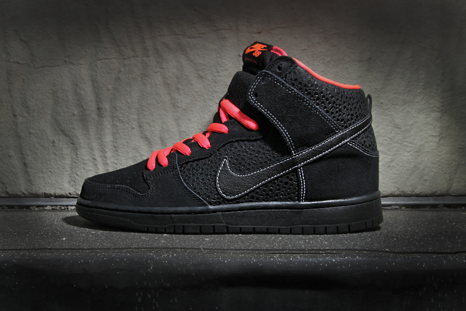 nike sb dunk high pro black atomic red hypebeast. Black Bedroom Furniture Sets. Home Design Ideas