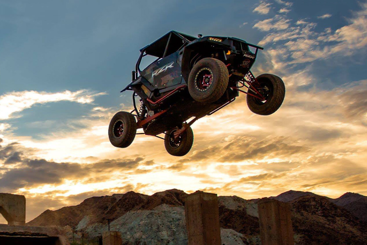 utvunderground-and-mad-media-take-polaris-rzr-xp1000-off-road-with-rj