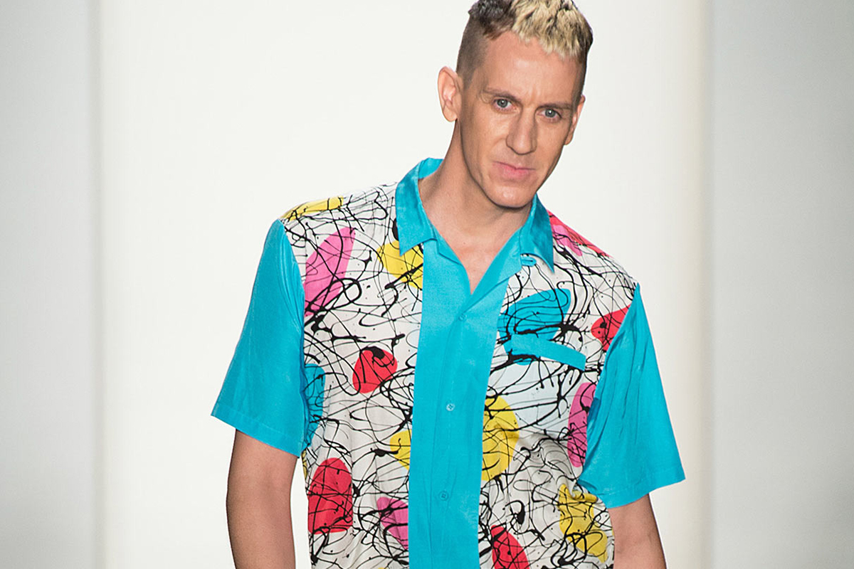The 43-year old son of father (?) and mother(?), 178 cm tall Jeremy Scott in 2017 photo