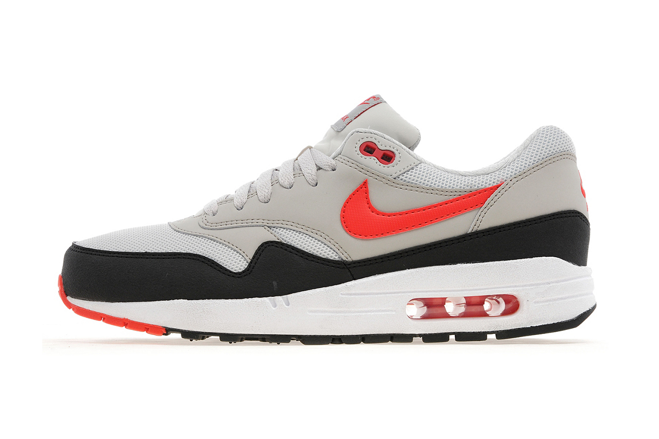 nike air max 1 light bone black cherry red jd sports. Black Bedroom Furniture Sets. Home Design Ideas