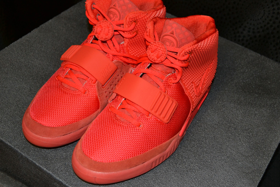 an-up-close-look-at-the-nike-air-yeezy-2-red-october-0.jpg