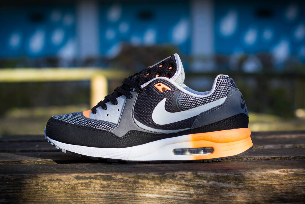 nike air max light c1 0 black wolf grey atomic orange. Black Bedroom Furniture Sets. Home Design Ideas