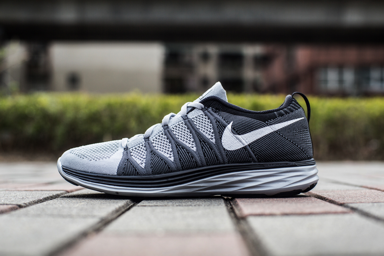 an exclusive look at the nike flyknit lunar 2 wolf grey. Black Bedroom Furniture Sets. Home Design Ideas