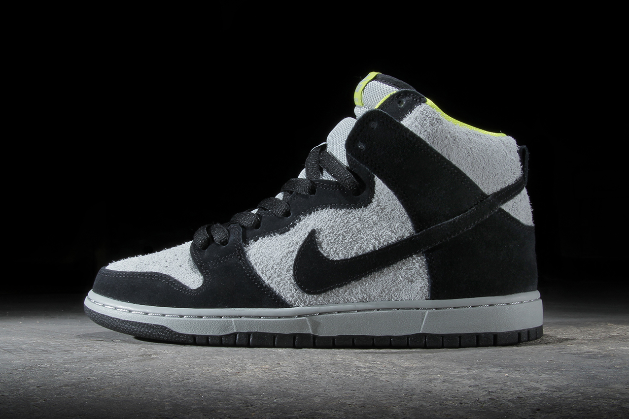 Nike dunks black and grey
