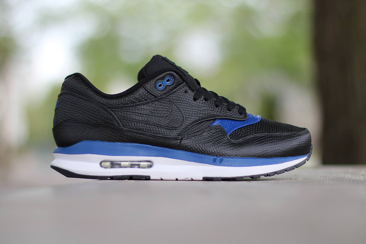 nike air max lunar1 deluxe black gym blue white hypebeast. Black Bedroom Furniture Sets. Home Design Ideas