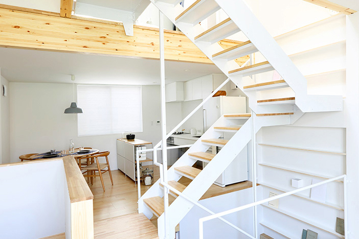 Muji designs vertical house in tokyo that accommodates for Muji home design