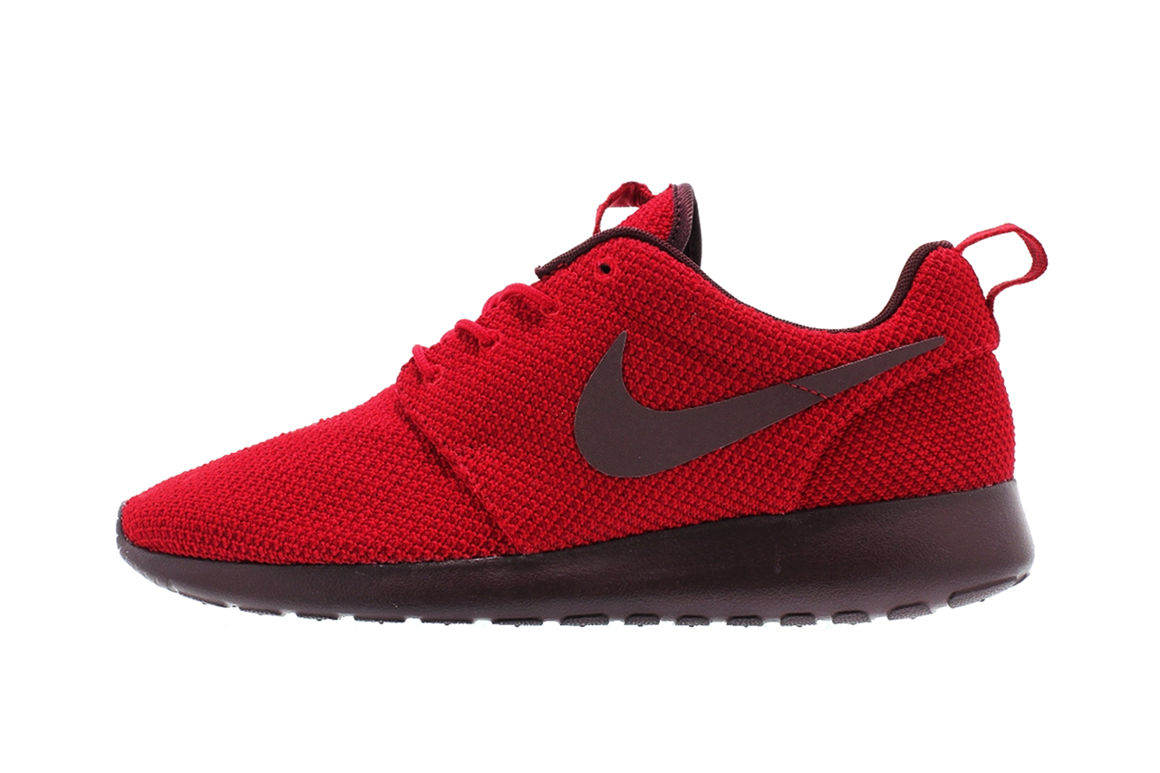 nike roshe run gym reddeep burgundy hypebeast
