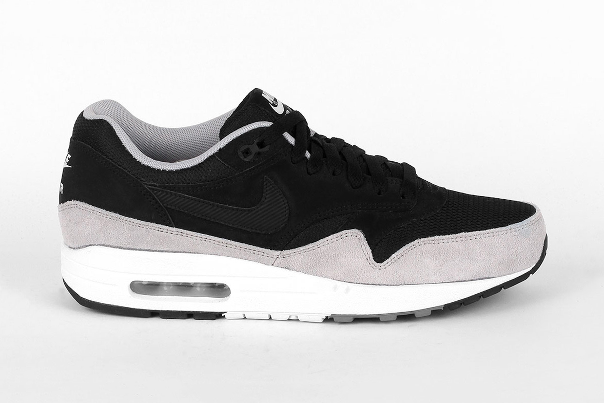 nike air max 1 essential black flat silver hypebeast. Black Bedroom Furniture Sets. Home Design Ideas