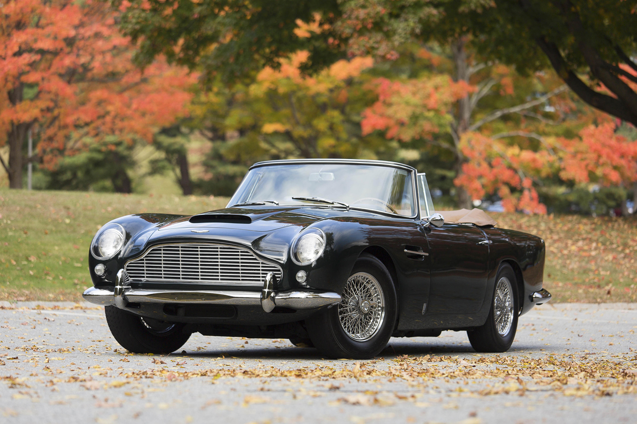 1965 aston martin db5 convertible sells for record 2 million usd hypebeast. Black Bedroom Furniture Sets. Home Design Ideas