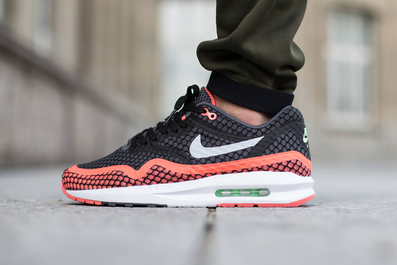 nike air max lunar1 breeze hot lava hypebeast. Black Bedroom Furniture Sets. Home Design Ideas