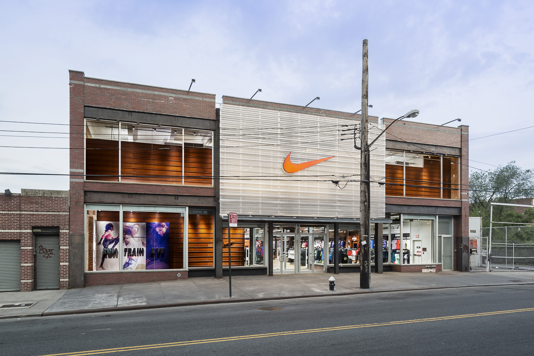 Nike Factory Store store or outlet store located in Deer Park, New York - Tanger Outlets Deer Park location, address: The Arches Circle, Deer Park, New York - NY Find information about hours, locations, online information and users ratings and reviews. Save money on Nike Factory Store and find store or outlet near me.3/5(1).