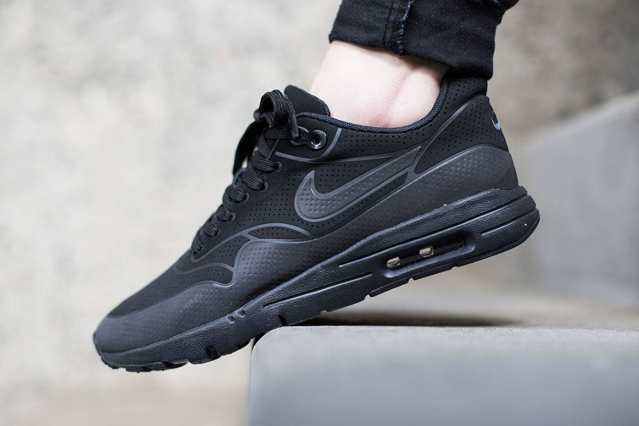 nike wmns air max 1 ultra moire black black anthracite hypebeast. Black Bedroom Furniture Sets. Home Design Ideas
