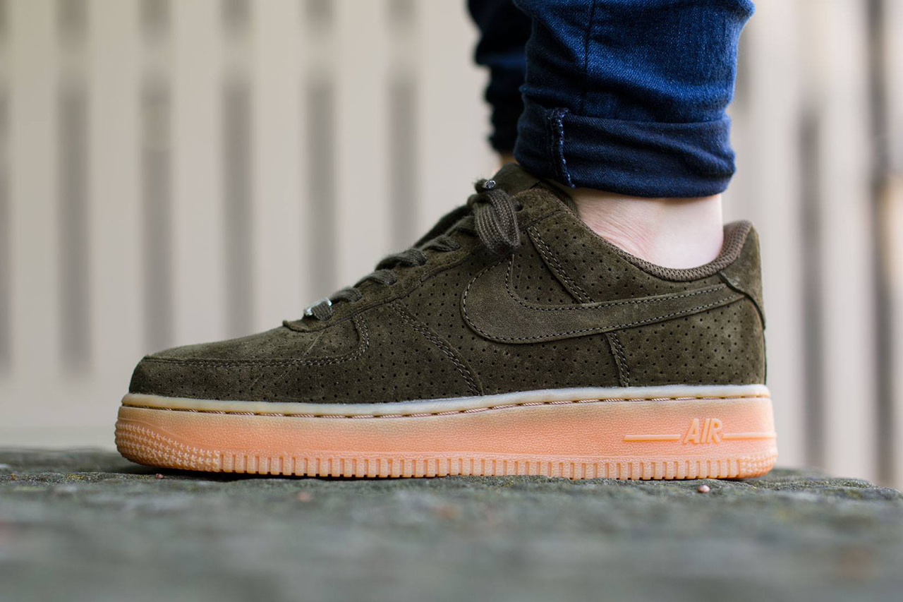 nike wmns air force 1 low dark loden hypebeast. Black Bedroom Furniture Sets. Home Design Ideas