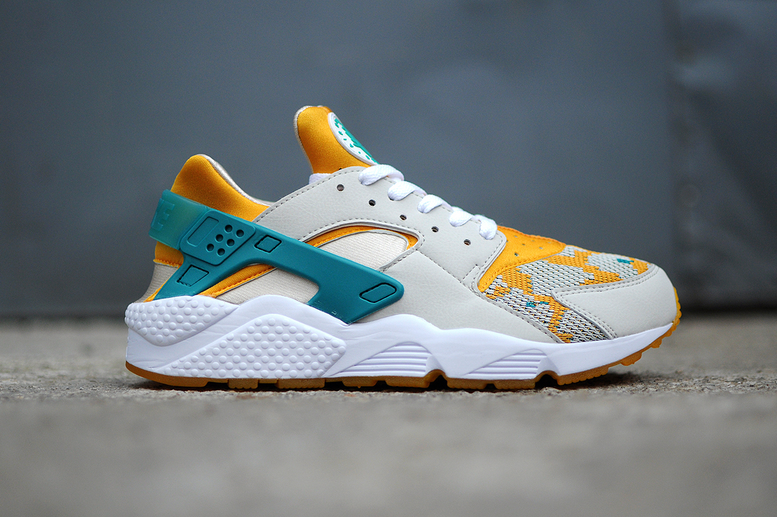nike air huarache run light bone sneaker hypebeast