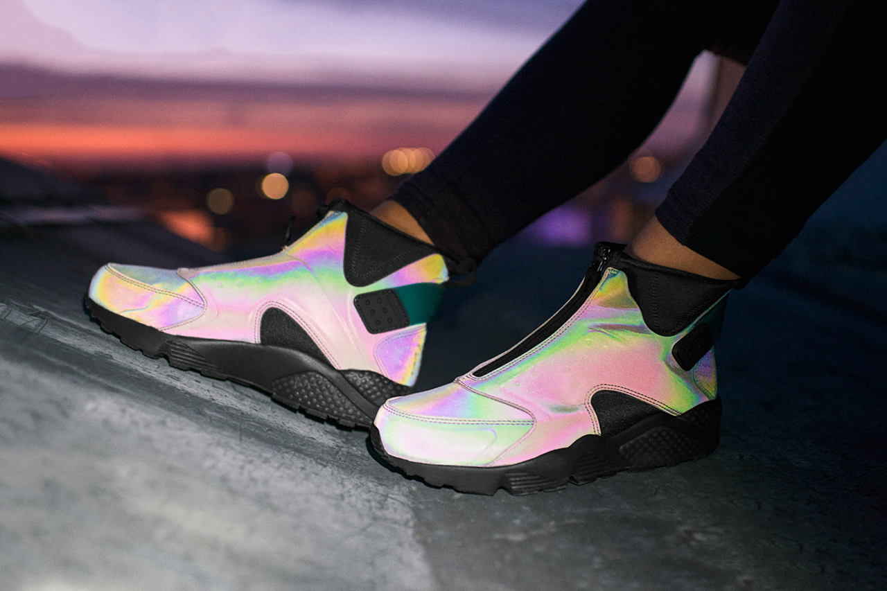 nike air huarache run mid iridescent hypebeast. Black Bedroom Furniture Sets. Home Design Ideas