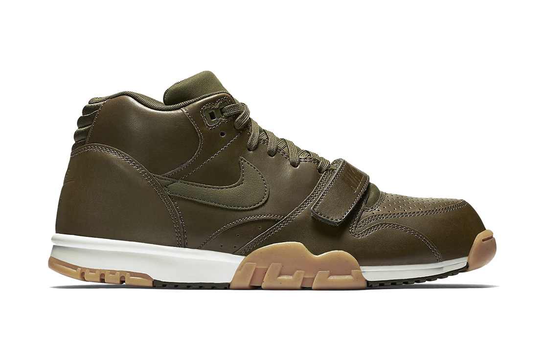 nike air trainer 1 mid dark loden hypebeast. Black Bedroom Furniture Sets. Home Design Ideas