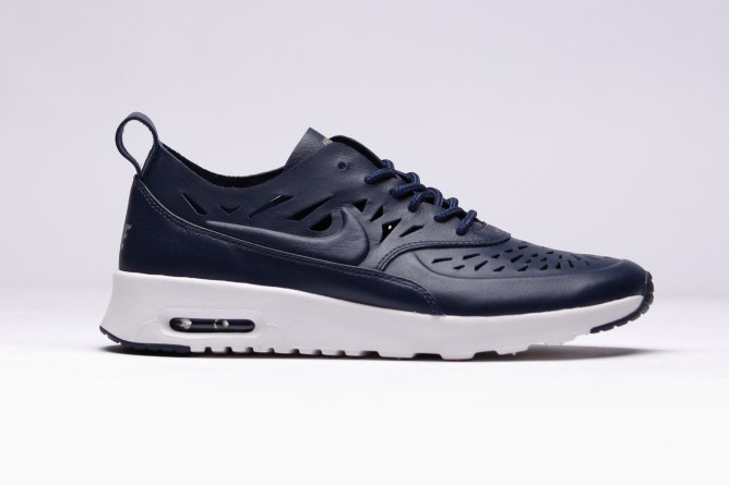 nike wmns air max thea joli midnight navy hypebeast. Black Bedroom Furniture Sets. Home Design Ideas