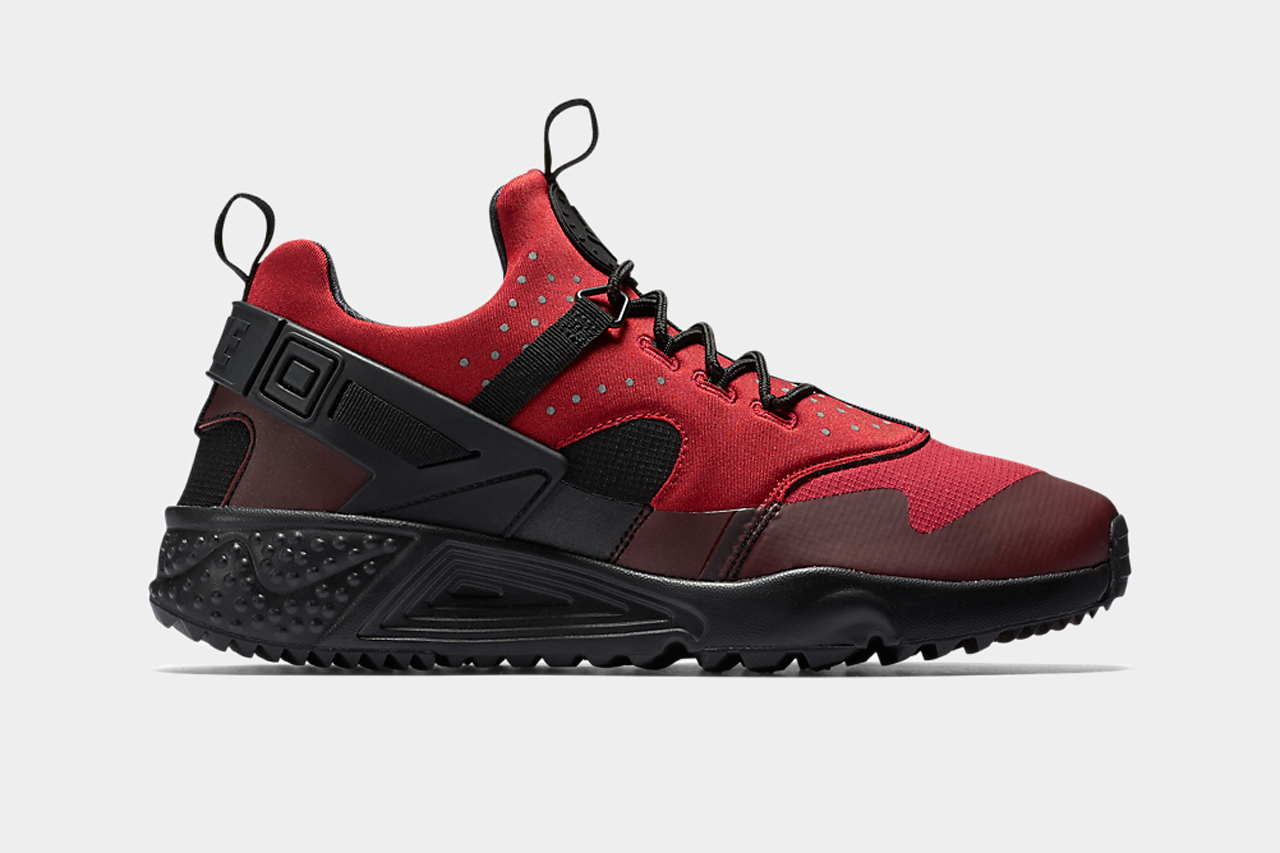 nike air huarache utility gym red hypebeast. Black Bedroom Furniture Sets. Home Design Ideas