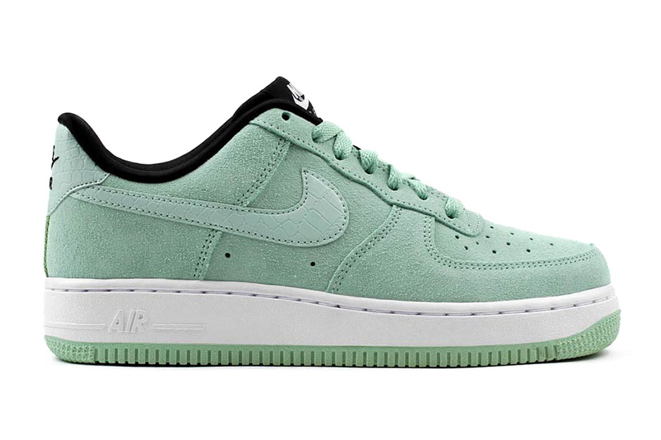 nike air force 1 low suede enamel green lemon drop. Black Bedroom Furniture Sets. Home Design Ideas