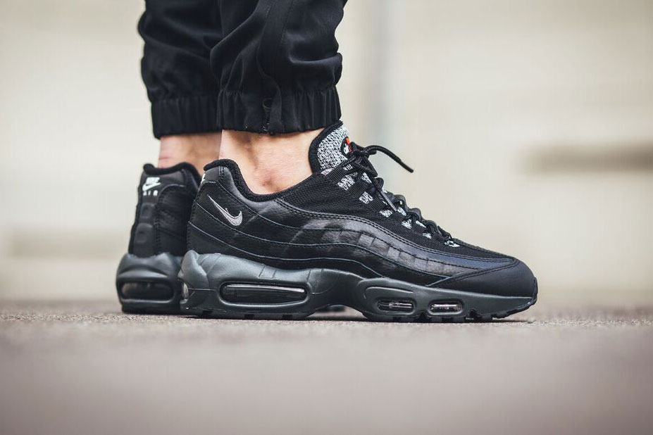 nike air max 95 essential anthracite hypebeast. Black Bedroom Furniture Sets. Home Design Ideas