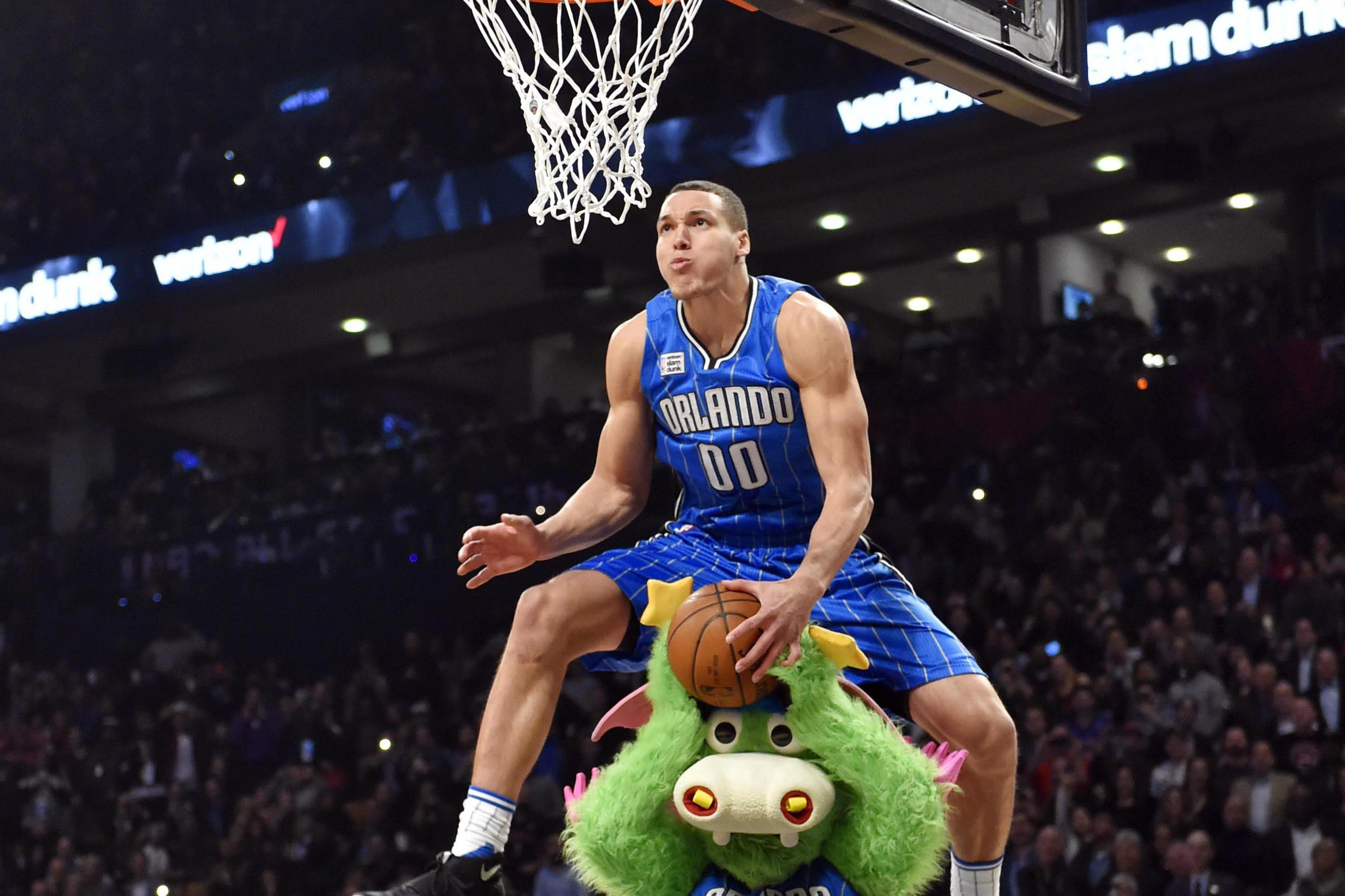 Watch the best dunks of all time from every nba dunk contest 0 jpg