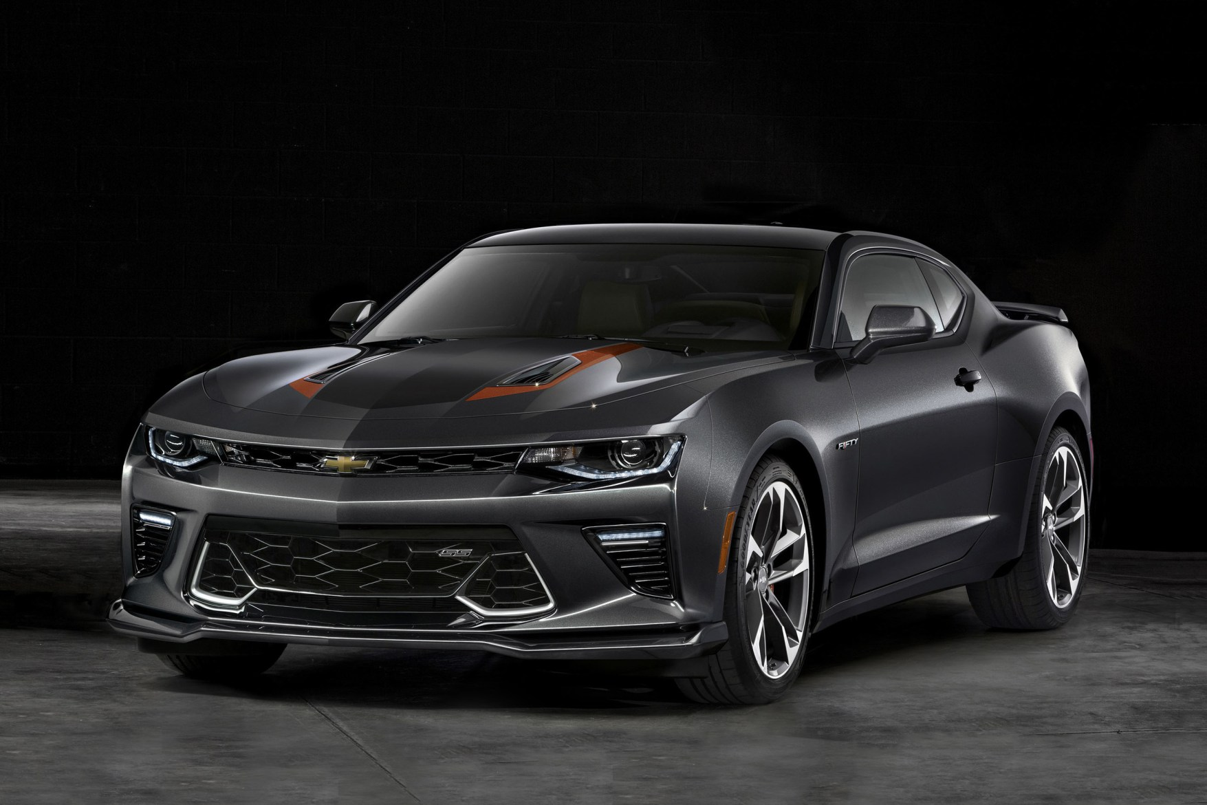 2017 chevrolet camaro 50th anniversary car hypebeast. Black Bedroom Furniture Sets. Home Design Ideas