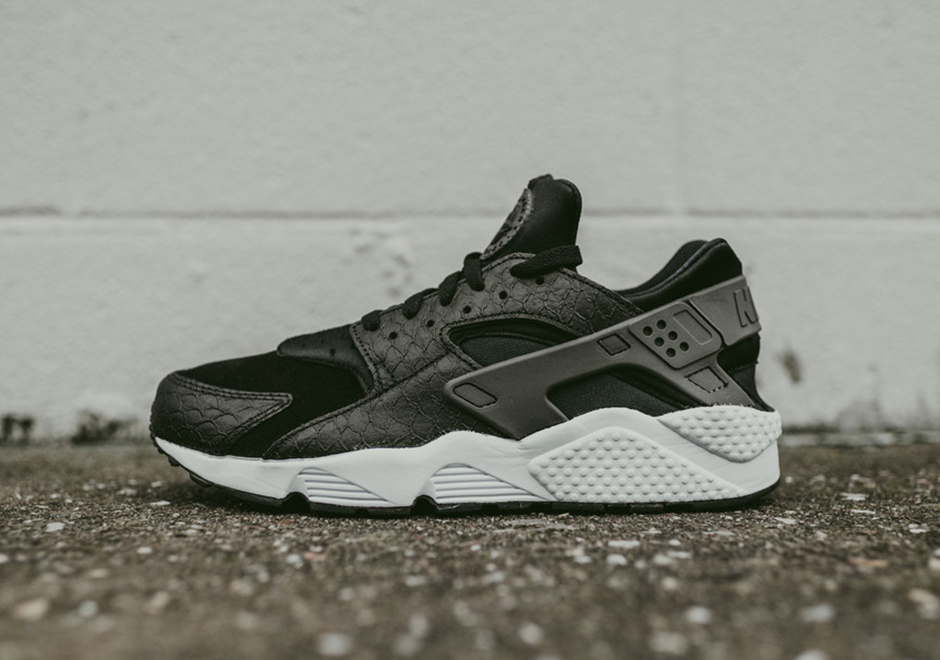 Air Huarache Grey Red