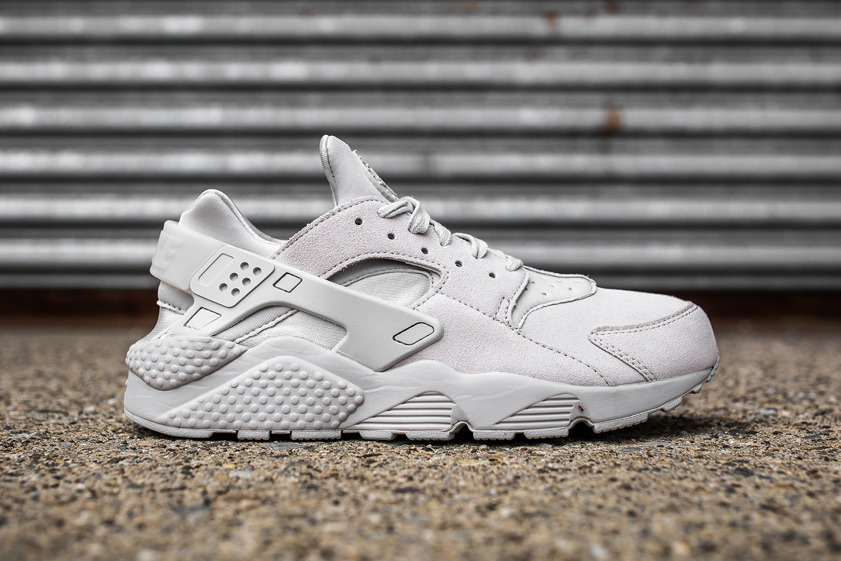 nike air huarache neutral grey