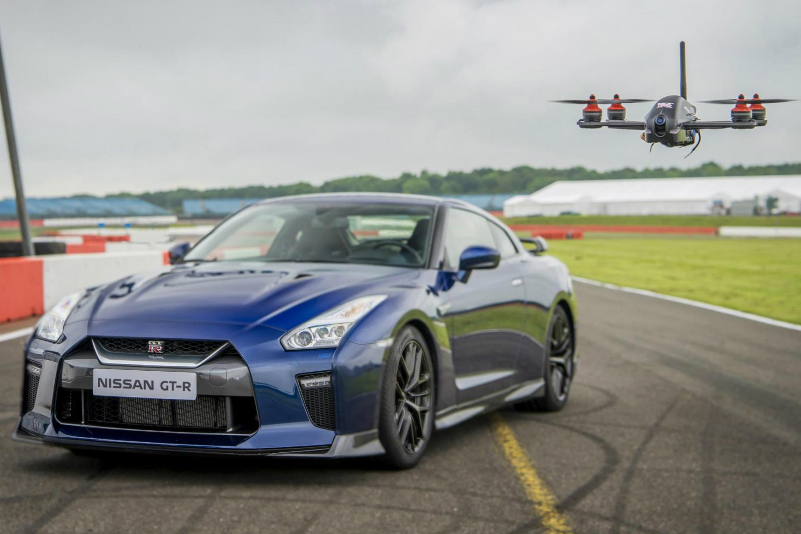 nissan new gt r drone races a 2017 gt r car hypebeast. Black Bedroom Furniture Sets. Home Design Ideas