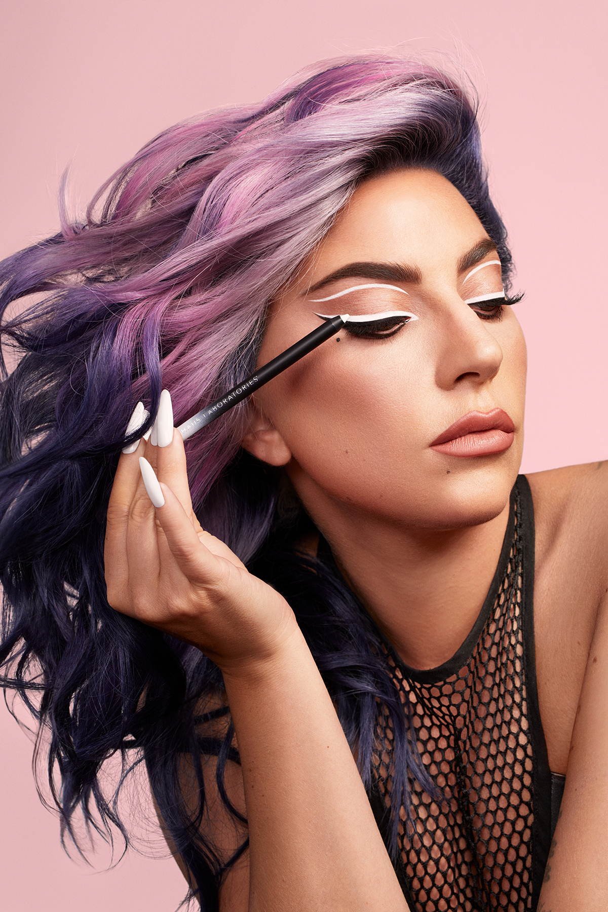 lady-gaga-haus-laboratories-eyeliner-col