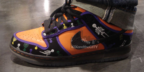 "wholesale dealer 368b1 a1899 ... was at the Magic convention in Las Vegas and spotted some nice kicks  including this upcoming Nike SB ""Day of the Dead"" or ""Dia De Los Muertos"" Dunk  Low."