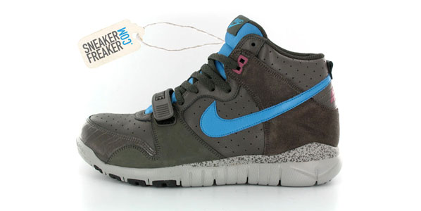 """free shipping c57b6 cb609 Here s the latest from Nike s hybrid sneakers, a Nike Trainer 1 mixed with  a Dunk high and a Free. """"Wow"""" is the first word that comes to our mind  because ..."""