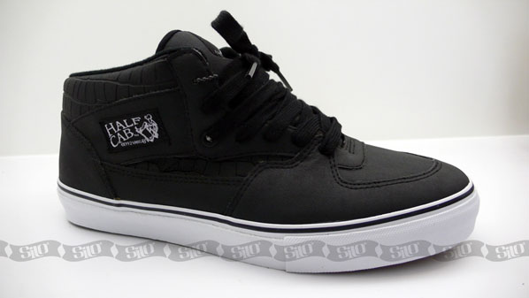 c502d134bfd581 Vans Syndicate Series 005 Half Cabs   Wes Humpton Authentics
