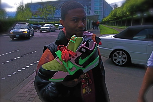 Upon Ferrari Murakami's recent trip to Nike Headquarters in Beaverton,  Oregon, he unveiled a preview of what appears to be an upcoming Nike SB Air  Trainer ...