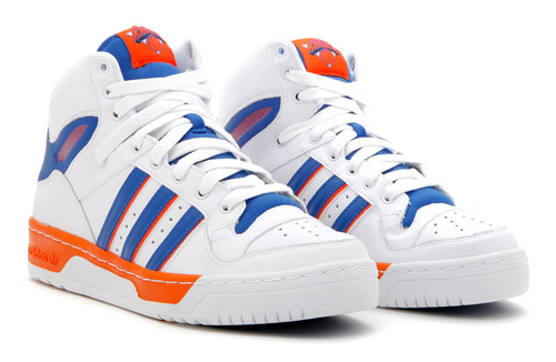 ... New York Knicks and Boston Celtics as each colorway enjoys clean and  simple colorways utilizing each team s respective colors and official team  logos. 75369e8e6