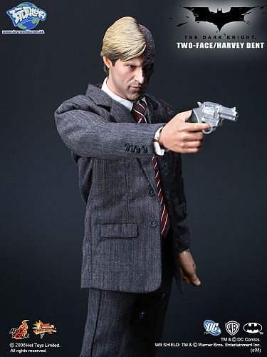 harvey dent two face figure by hot toys a closer look