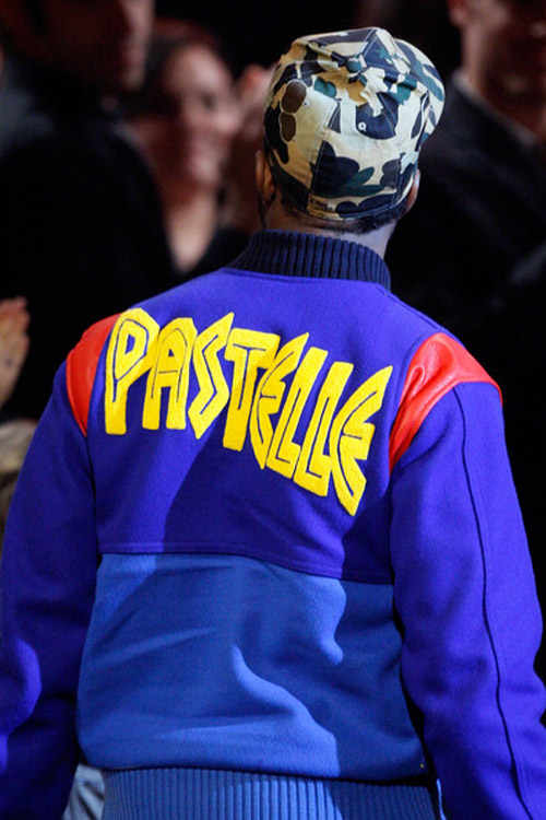 Kanye West Pastelle Jacket Preview At The American Music