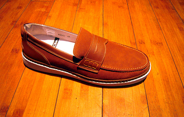 be-positive-loafers-00 Be Positive 2009 College Suede Loafers