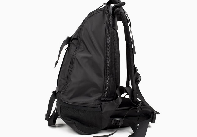 head-porter-black-beauty-backpack-1