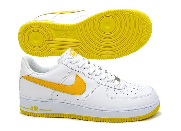 nike-air-force-1-white-varsity-maize-1